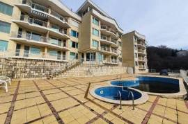 Sea and POOL VIEW! 1-bedroom apartment for sale in Neptun Complex, Kavarna