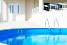 Luxury 2-bedroom flat, Heated Pool, Sauna, Jacuzzi