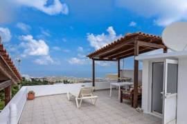 MAISONETTE WITH AMAZING VIEWS OF THE SEA IN THE CENTRE OF THE VILLAGE
