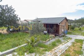 MN1616 - Rustic land for sale, with wooden house