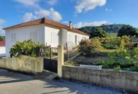 House V2 on 547 m2 of land