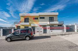 Novelty! Semi-detached house T3 + 1 in excellent location, Murganhal, Caxias. The football city is a reference!